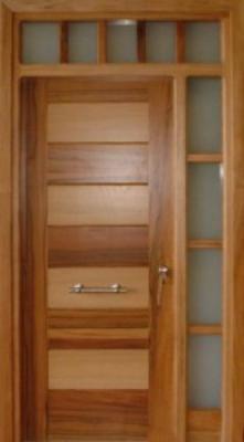 Puerta de gran calidad for Puertas de madera exterior modernas precios