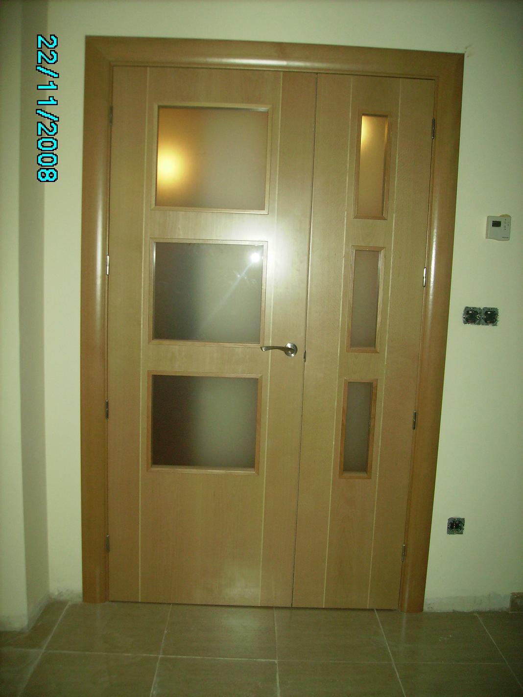 Puertas de interior clasicas armarios de madera puertas for Puertas precios interior
