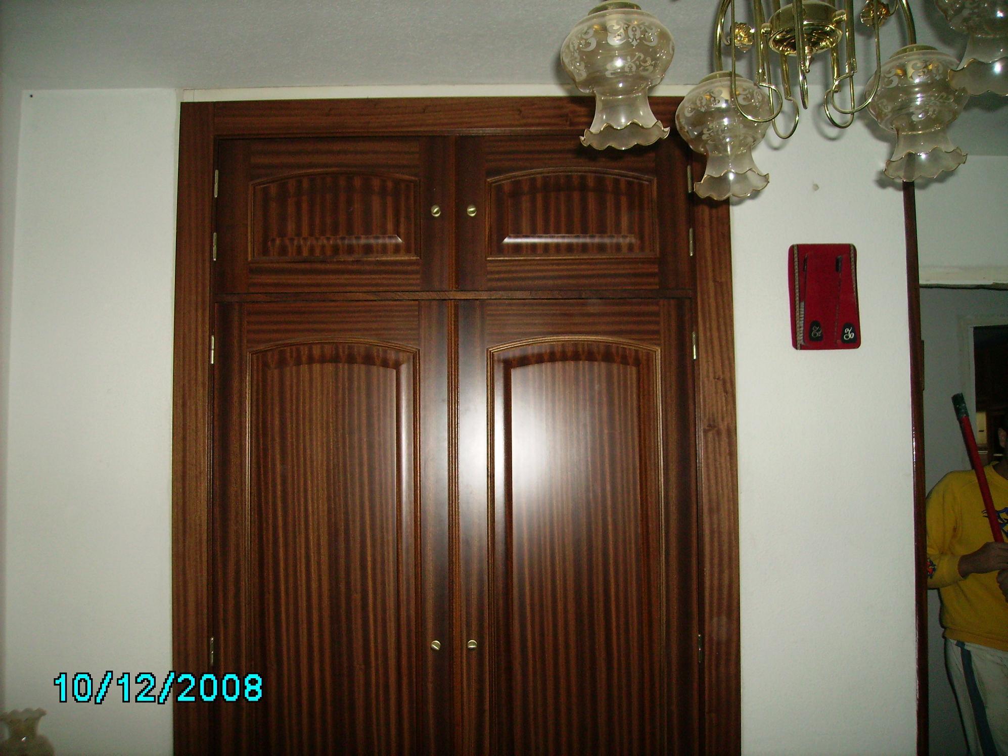 Puertas de interior clasicas armarios de madera puertas - Puertas interior economicas ...