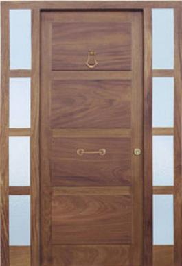 Casa de este alojamiento ventanas de madera rusticas for Modelos de puertas y precios