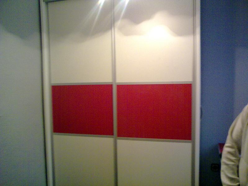 armario corredero blanco rojo japones Puertas Alberto Cano
